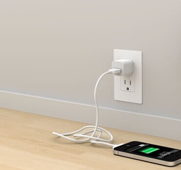 iphone-power-outlet